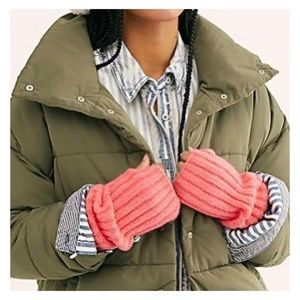 FREE PEOPLE Pink Fingerless Gloves Arm Warmers NWT